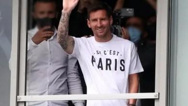Lionel Messi beats Cristiano Ronaldo's Transfer record