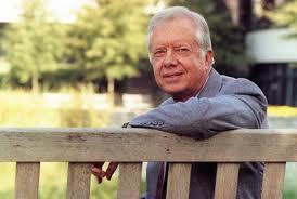 Lanzan nueva Biblia con comentarios de Jimmy Carter