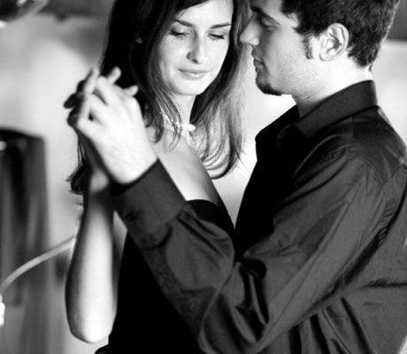 5 Señales de advertencia que debe considerar al iniciar una relación amorosa