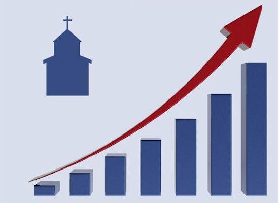 ¿A qué se debe que las iglesias grandes continúan creciendo?