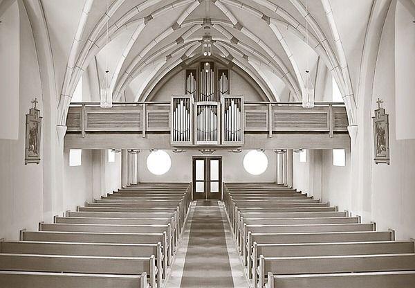 iglesia vacia-Pixabay-Public dominion 640