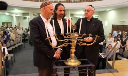 El jesuita satanista Francisco (a la derecha)