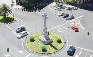 Cruz de la Plaza América de Cáceres