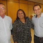 Philippe Landry e Cleide Gomes recebendo o diretor do Procon municipal de Natal, Kleber Fernandes representando o prefeito de Natal, Carlos Eduardo