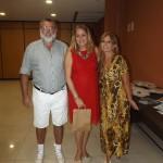 Com o casal Mauricio e Virginia no salão do SERHS