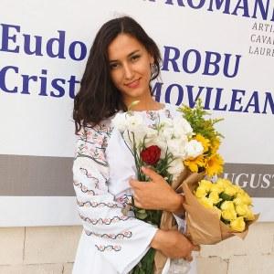 Cristina Movileanu, flowers,