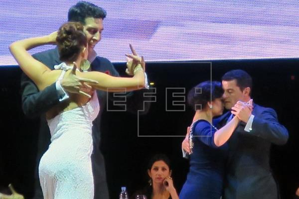 """imagen4 - Los reyes de la """"pista"""" vuelven a ser argentinos en el Mundial de Tango"""