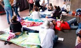 En San Pedro Sula también hay otro grupo de jóvenes que están en huelga de hambre exigiendo la CICIH y la renuncia del mandatario hondureño.