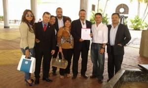 Los diputados de Libre muestran la petición presentada ante la Secretaría del Congreso Nacional.