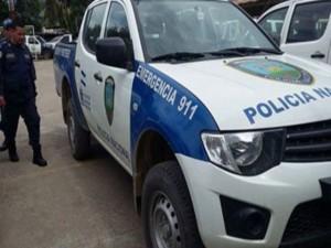 Este es el vehiculo poliial que los ladrones despojaron a los agentes.