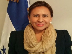 Ivonne Bonilla exesposa del mandatario fue nombrada como embajadora en Argentina y la hija de ambos en la embajada de Taiwán.