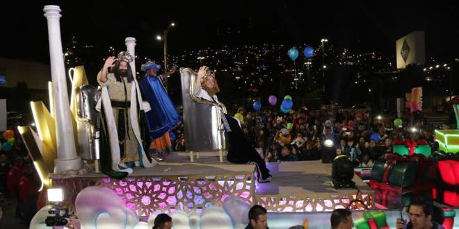 Se llevó a cabo la tradicional Cabalgata de Reyes en Pachuca
