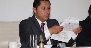 secretaria Raúl Camacho cajas documentación