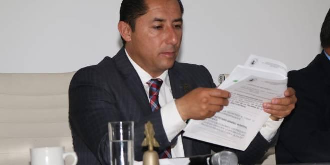 Aumenta Raúl Camacho 2 mil pesos a su dieta mensual