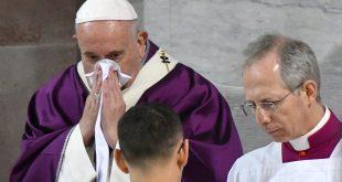 Tras mensaje por coronavirus, Papa Francisco se encuentra enfermo