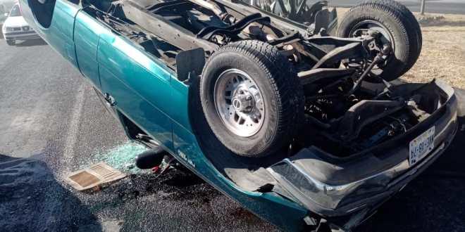 Deja volcadura en la Pachuca-Sahagún tres personas lesionadas