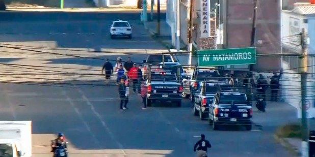 Detienen a 12 personas que pretendían robar bodega en Tulancingo