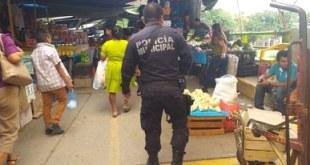 Alerta SSP por sustracción de carteras en el mercado de Huejutla