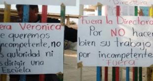 Bloquean primaria en Zapotlán para exigir destitución de directora