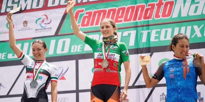 Agrega Daniela Campuzano un premio al apoyo para médicos