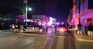 Pobladores de Oxtomal retienen a dos policías de Huejutla