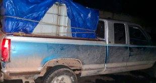 Tras persecución, asegura SP camionetas y bidones en Actopan