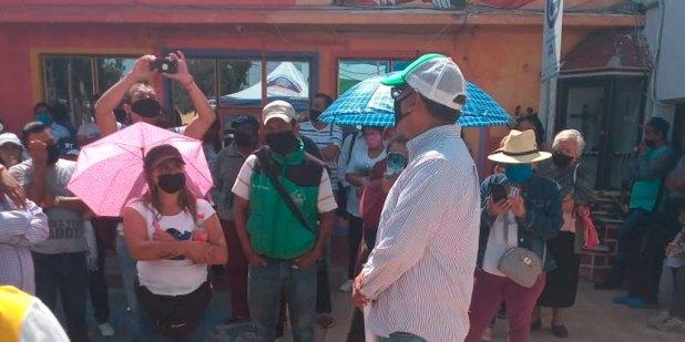 Se manifiestan tianguistas en Mineral de la Reforma; piden apoyos