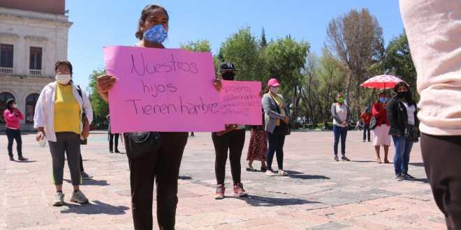 Con protesta en plaza Juárez, integrantes de la Cioac piden apoyos