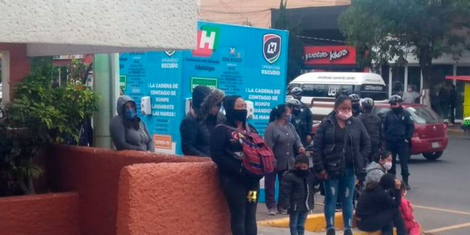 Mujeres se manifiestas en Gobierno de Hidalgo; piden apoyo alimentario
