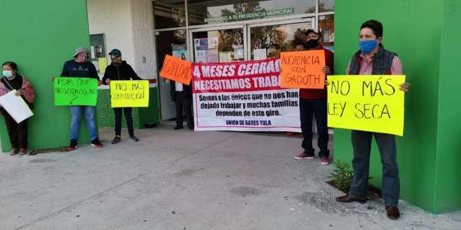 Bloquean accesos a alcaldía de Tula; giros rojos demandan trabajo