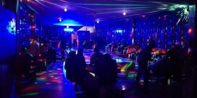 Bares de Pachuca operarán hasta medianoche, establece Concejo