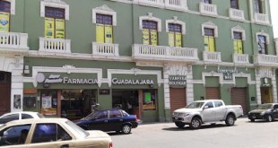Asaltan farmacia en pleno Centro de Pachuca; golpean a empleado