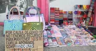 Tratan sobrevivir pandemia vendiendo artesanías Pachuca
