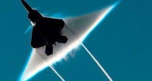 Avión militar rompe barrera sonido provoca alarma París