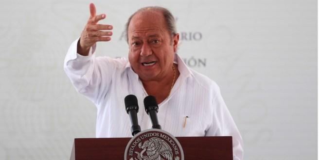 Oculta Carlos Romero Deschamps cobros en Pemex