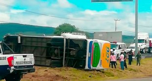 Vuelca autobús línea ODT México-Pachuca