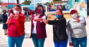 Susy Ángeles hace compromisos con vecinos de comunidades en Tizayuca