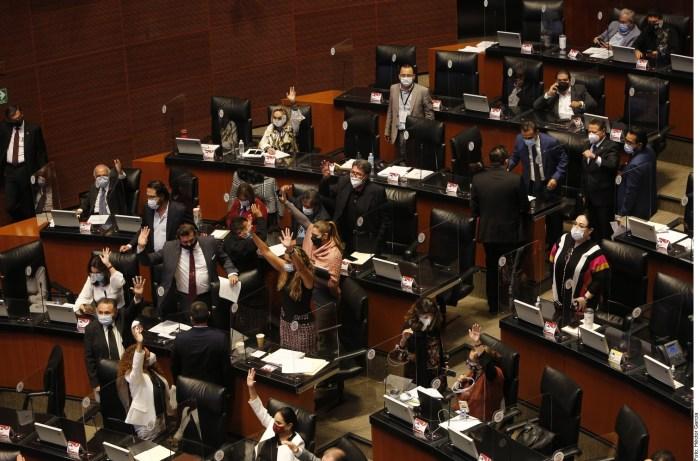 Avala Senado alza internet telefonía