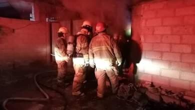 Sofocan incendio que estaba por alcanzar pipa, en Ixmiquilpan