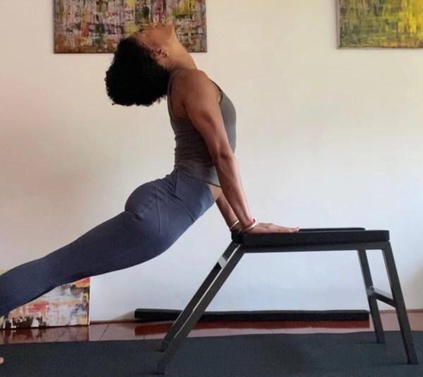 Upward facing dog   Iris Reyes   Critical Alignment   headstander