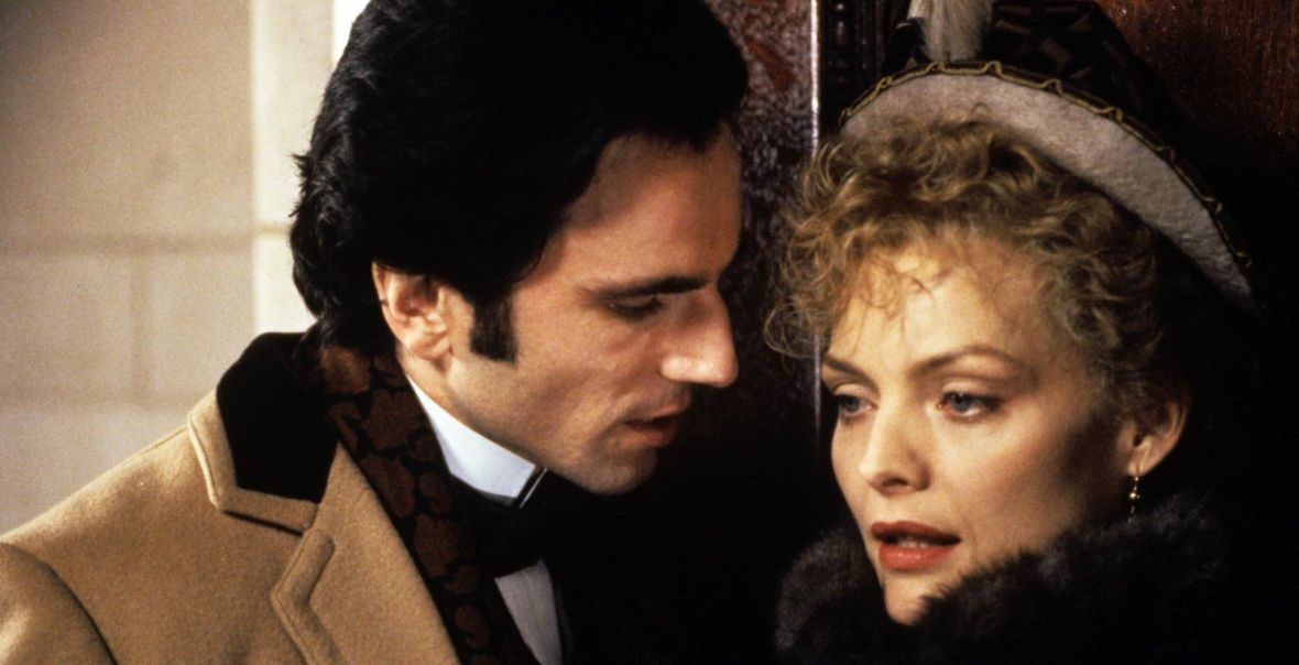 still-of-michelle-pfeiffer-and-daniel-day-lewis-in-the-age-of-innocence-1993-large-picture