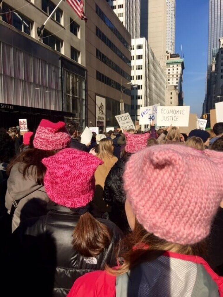 Nova York - Women's march - Crivorot Scigliano - Marcia Crivorot - cor rosa - tendencia - Marcia Crivorot - personal stylist em Nova York - personal shopper em Nova York