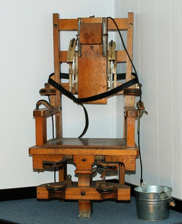 Hoy en la historia Se realiza la primer ejecucin en silla elctrica  CRN Noticias