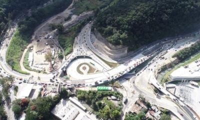 El paso a desnivel Cuatro Caminos fue inaugurado este lunes por el alcalde capitalino Ricardo Quiñónez.