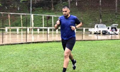 El salvadoreño Gerson Mayén durante su primer entrenamiento como jugador de Cobán Imperial para el Clausura 2020. (Foto: Deyler Chocooj)