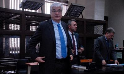 La Fiscalía Especial Contra la Impunidad -FECI-, busca ligar a proceso a Carlos Vielman, exministro de Gobernación, por ejecución extrajudicial.