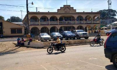 El alumbrado público fue suspendido en el municipio de Chisec, Alta Verapaz, por falta de pago. (Foto Eduaro Sam)