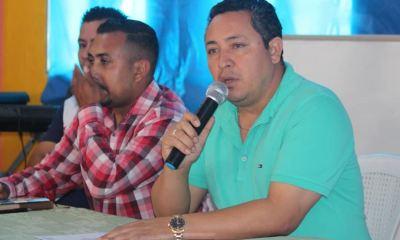 El alcalde de Sansare, Donaldo Castañeda hizo una denuncia sobre personas que ofrecen plazas en el Mineduc a cambio de dinero. (Foto: Oriente News)