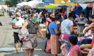 Las autoriades aumentaron las restricciones en el mercado de Suchitepéquez debido al COVID-19. (Foto: Cristian Soto)