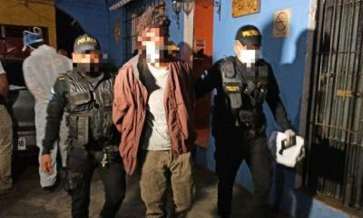 Wingler Bustos Vásquez, de 33 años, detenido por la PNC. Al momento de su captura se le decomisó un cuchillo con manchas de sangre. (Foto: PNC)
